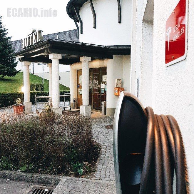 Schicklberg Destination Charger Tesla Hotel Sommerurlaub