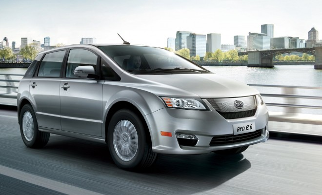 BYD e6 driving