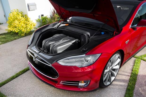 Tesla Model S Frunk Koffer
