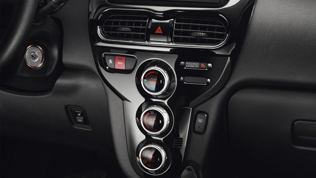 Peugeot-iOn-Klimaanlage_Armaturen