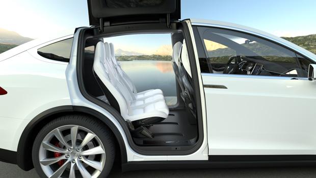 Tesla Model X zweite Sitzreihe weiss