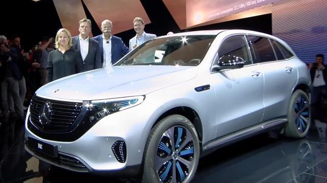 Mercedes-Benz EQC Silber Premiere