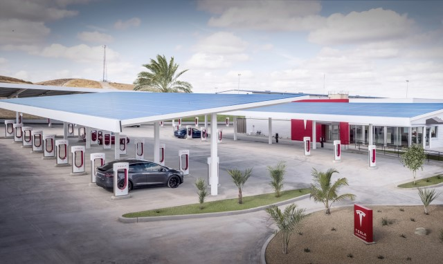 Supercharger Ladepark in Kettleman City