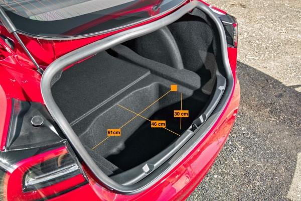 Tesla Model 3 rot kofferraum ablage fach kofferraumboden laderaum abmessungen