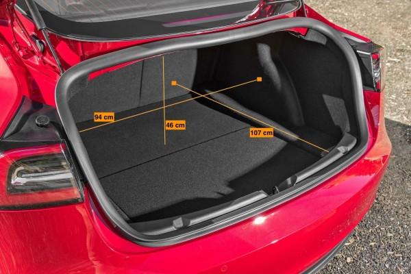 Tesla Model 3 rot kofferraum laderaum abmessungen