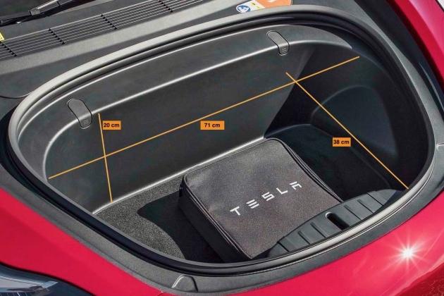 Tesla Model 3 rot kofferraum vorne frunk laderaum abmessungen