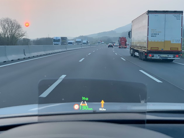 Kia e-Soul 2019 hud head up display autobahn