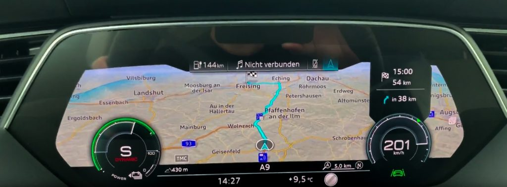 audi e-tron virtual cockpit 201 kmh