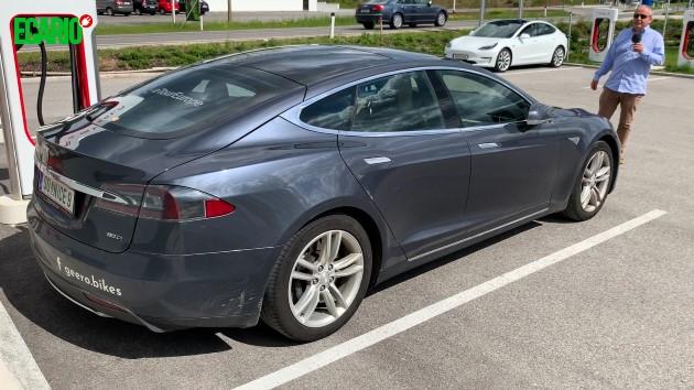 Tesla Model S 85D 350000 km grau