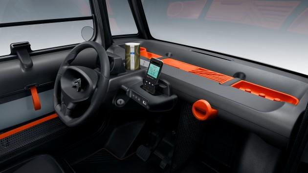 Citroen-ami-cockpit-komplett