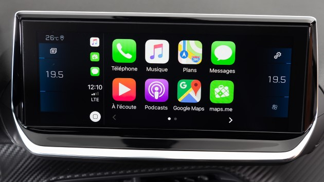 peugeot e-208-apple-carplay