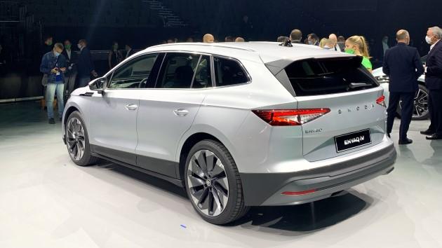 Škoda Enyaq iV silber hinten heckklappe