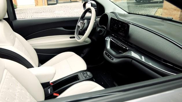 Fiat 500 Elektro La Prima interieur innen display