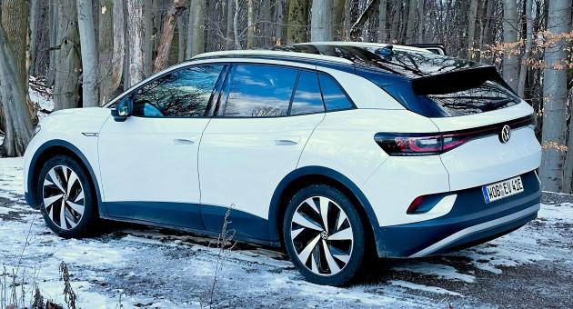 Volkswagen ID.4 weiß seitlich heck