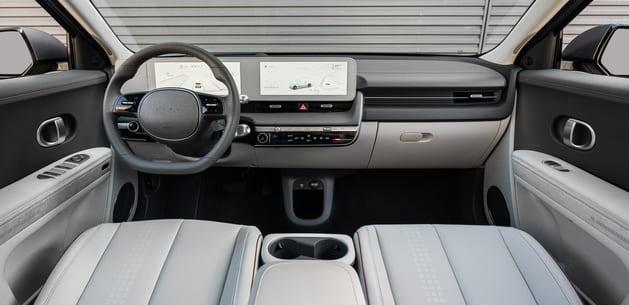 IONIQ-5-Innenraum-Display-Sitze.jpg